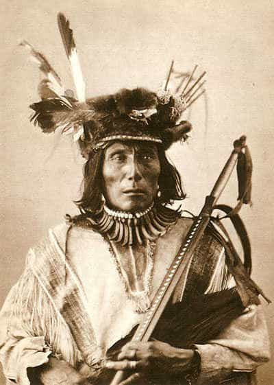 Medicine Bear, Mato Wakan, Dakota indian medicine man. Photo by Alexander Gardner, 1872.